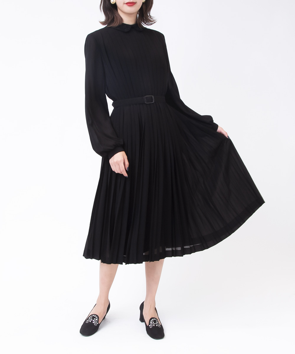 Black Design Embroidery Collar Dress