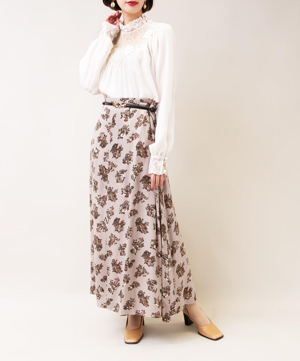 【Lace Neck Blouse + Pink Grey Rose Design Skirt】2点