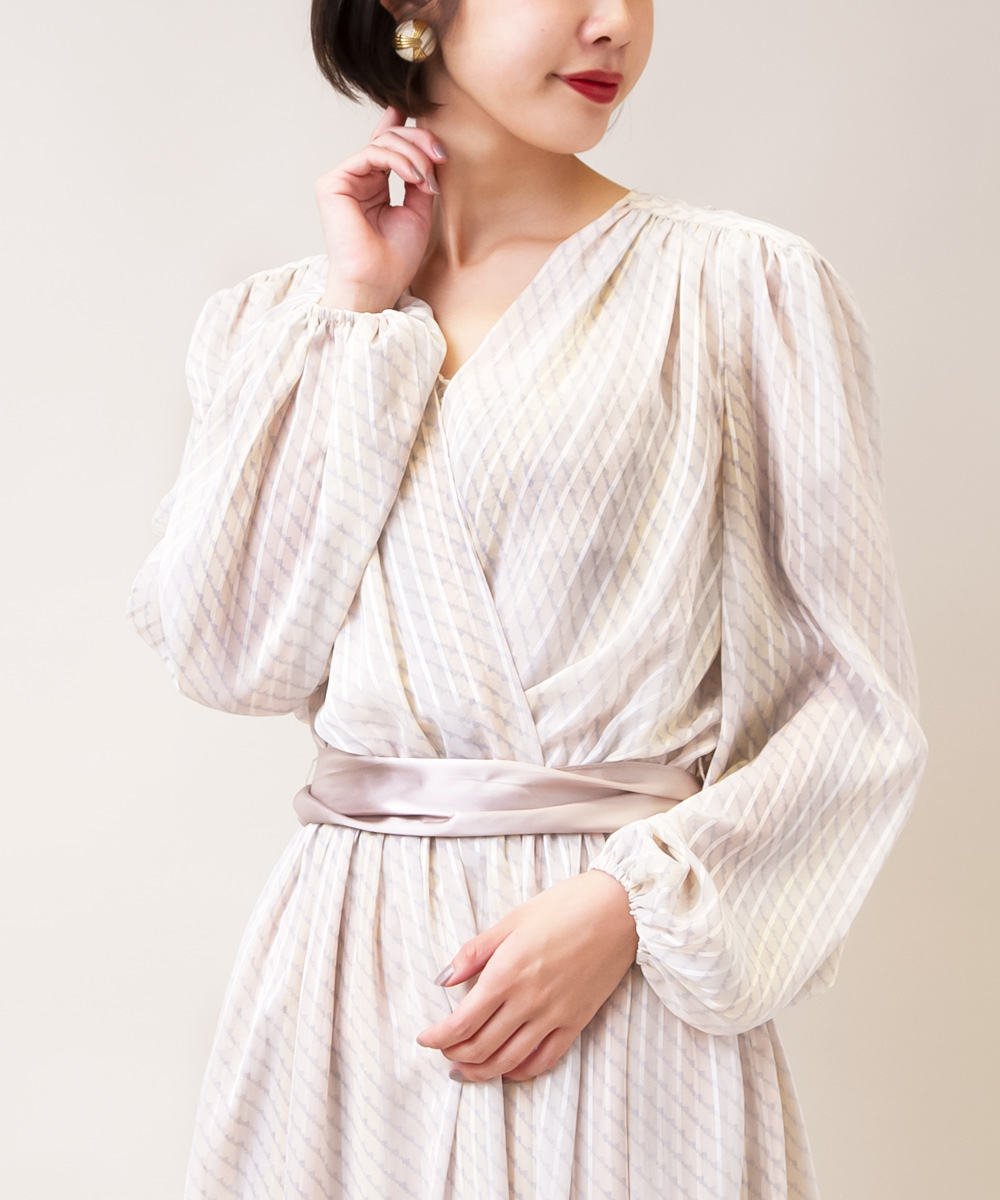 【1970's Sheer Stripe Dress + White Earrings】2点