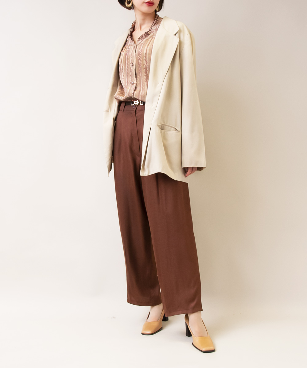 【Beige Jacket +Paisley Blouse+ Brown Pants】3点