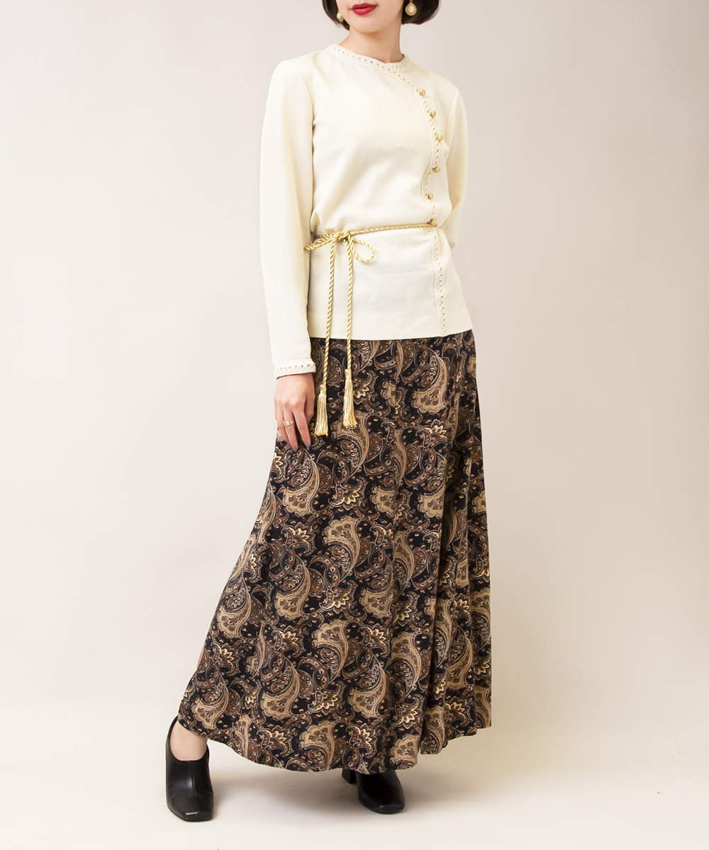 【1970's White Ethnic Tops +Black Paisley Skirt】2点