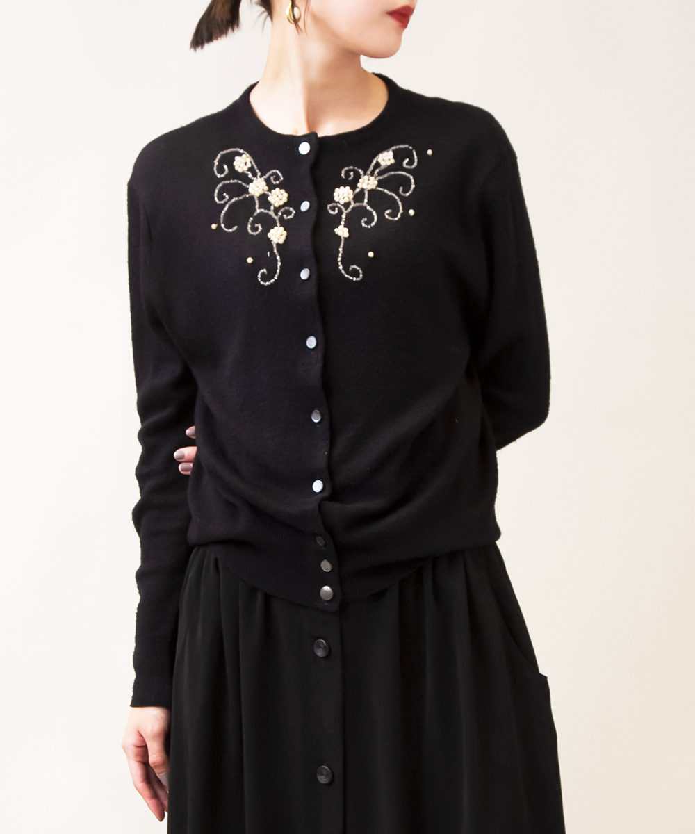 1950's Black Shiny Embroidery Front Button Knit