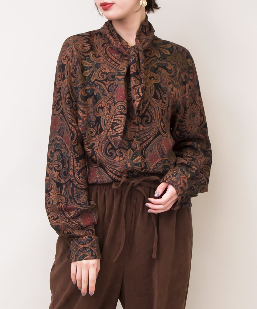 Brown × Black Paisley Ribbon Toe Blouse