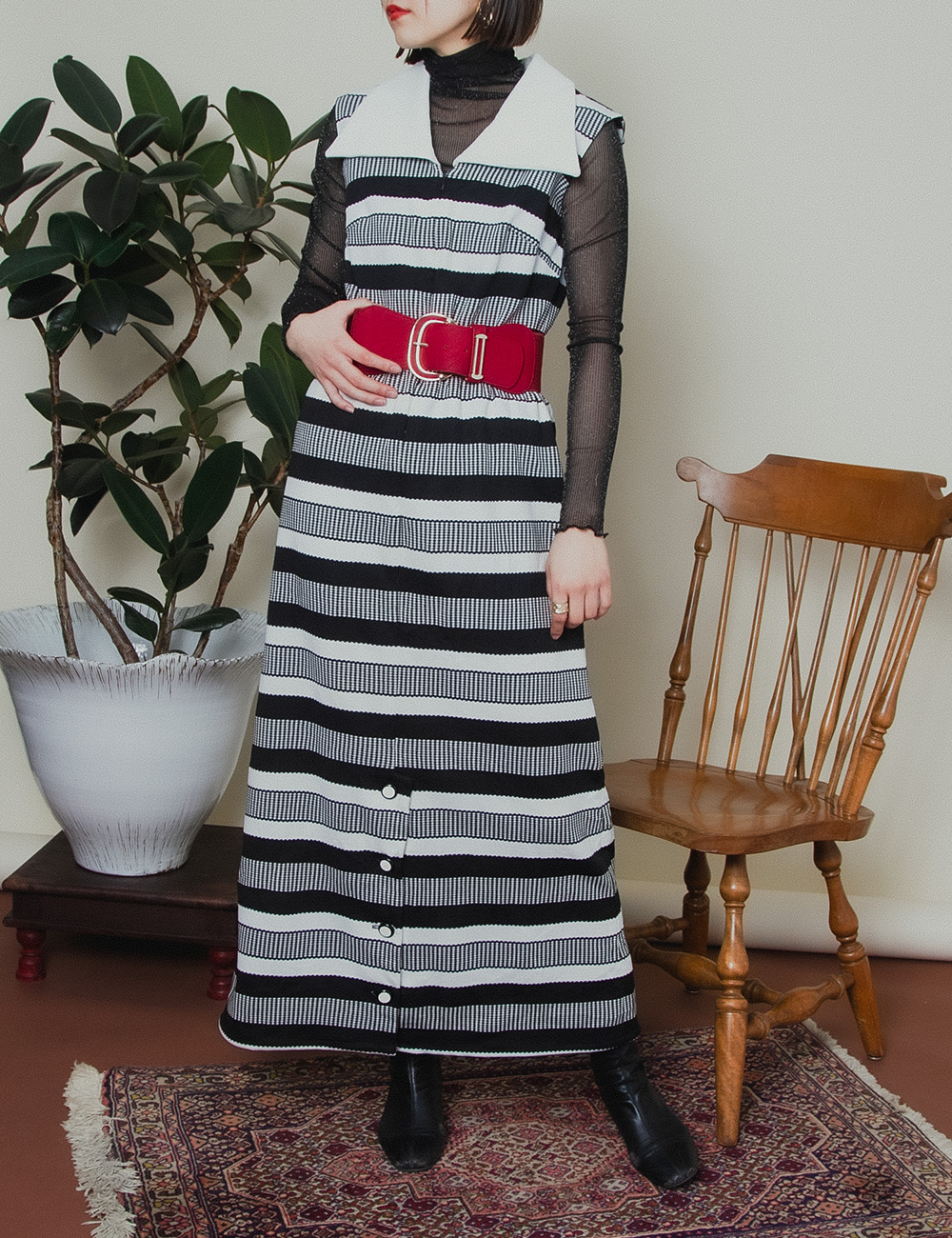 1970's Monotone Design Border Dress