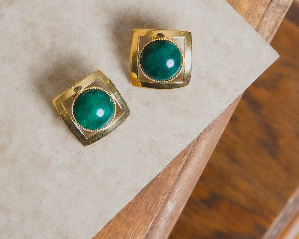 Gold Green Stone Square Pierce