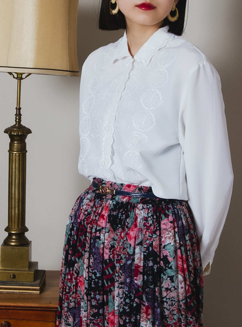 White Classic Embroidery Blouse