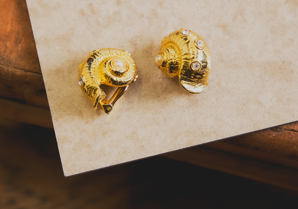 Gold Shell Design Earring