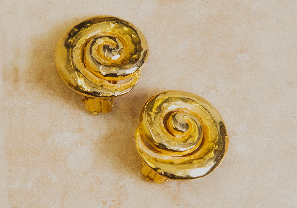 Gold Circle Design Earring