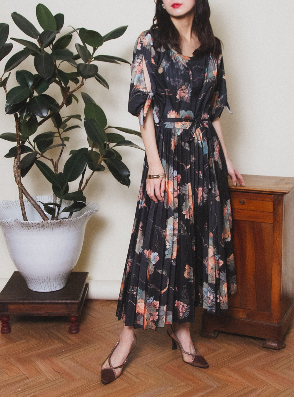 Black×Orange Botanical Flower Print Dress