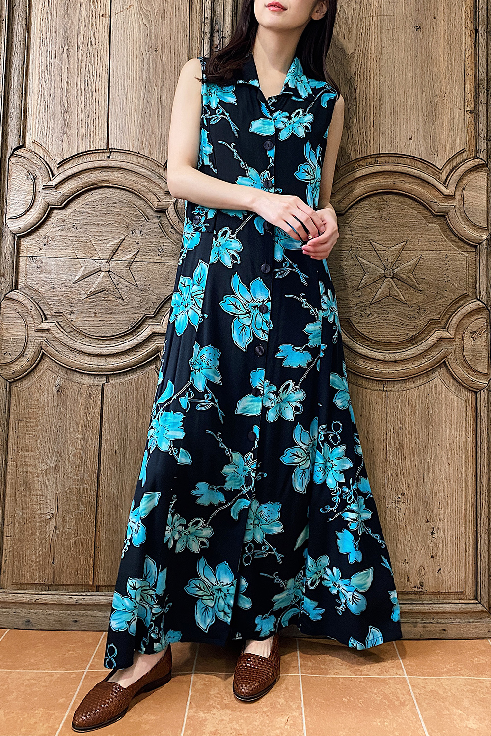 Black×Blue Unique Flower Design Dress