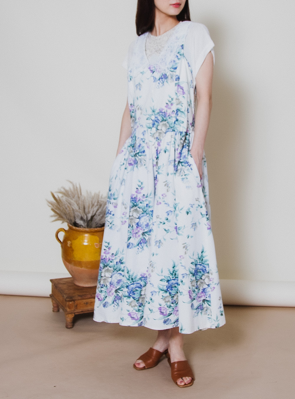 White × Blue Flower Lace Collar Dress