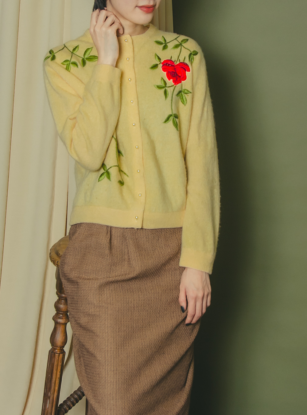 1950's Mustard Yellow Flower Embroidery Cardigan