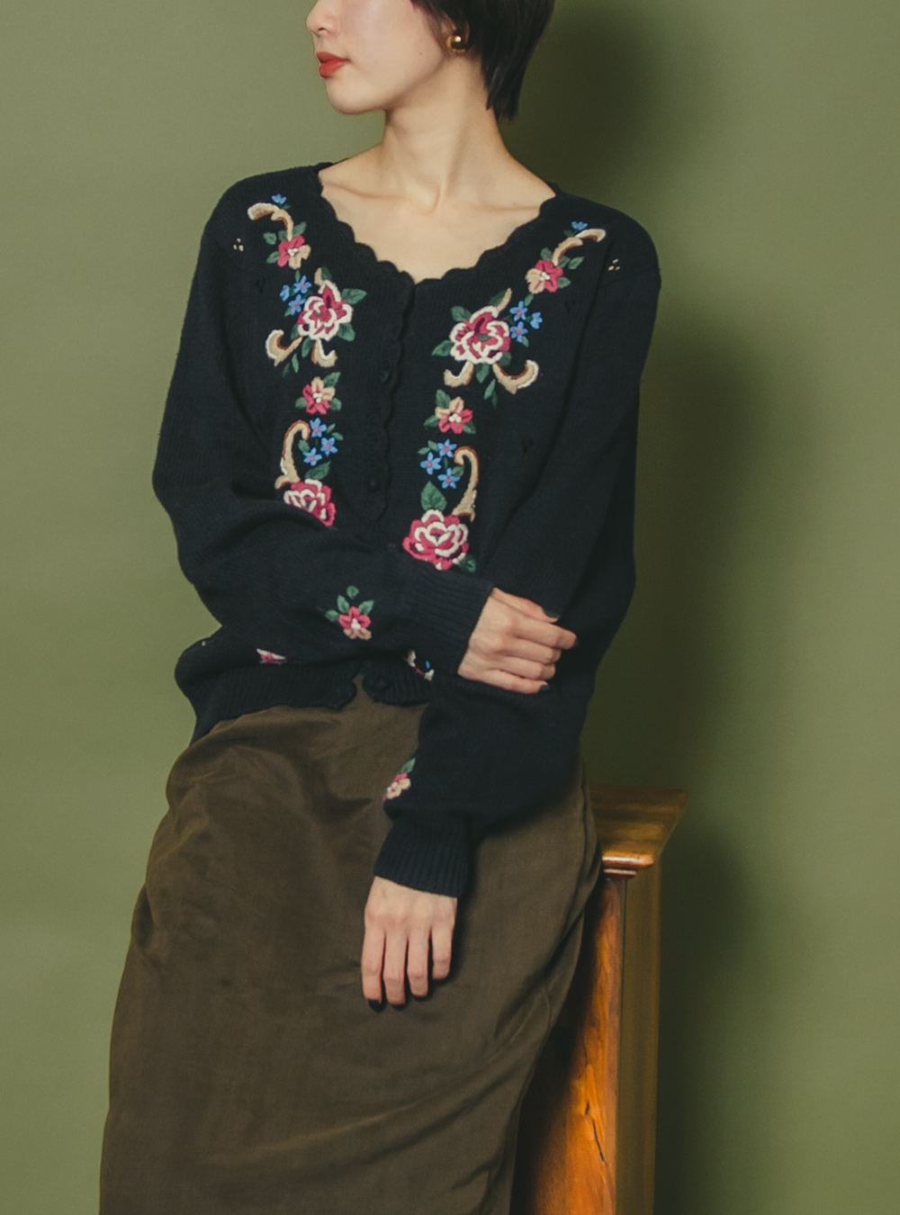 Black Flower Embroidery Cardigan
