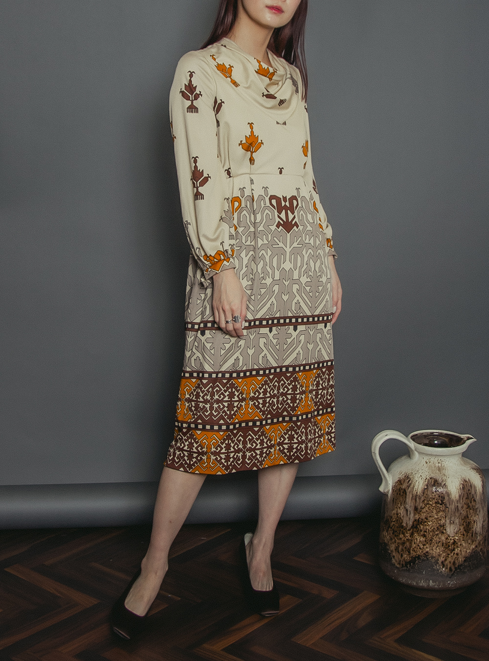 1970's Brown Oriental Design Print Dress