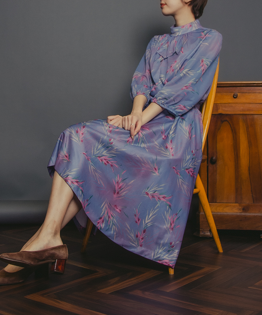 1970's Dusty Blue Design Tie Print Dress