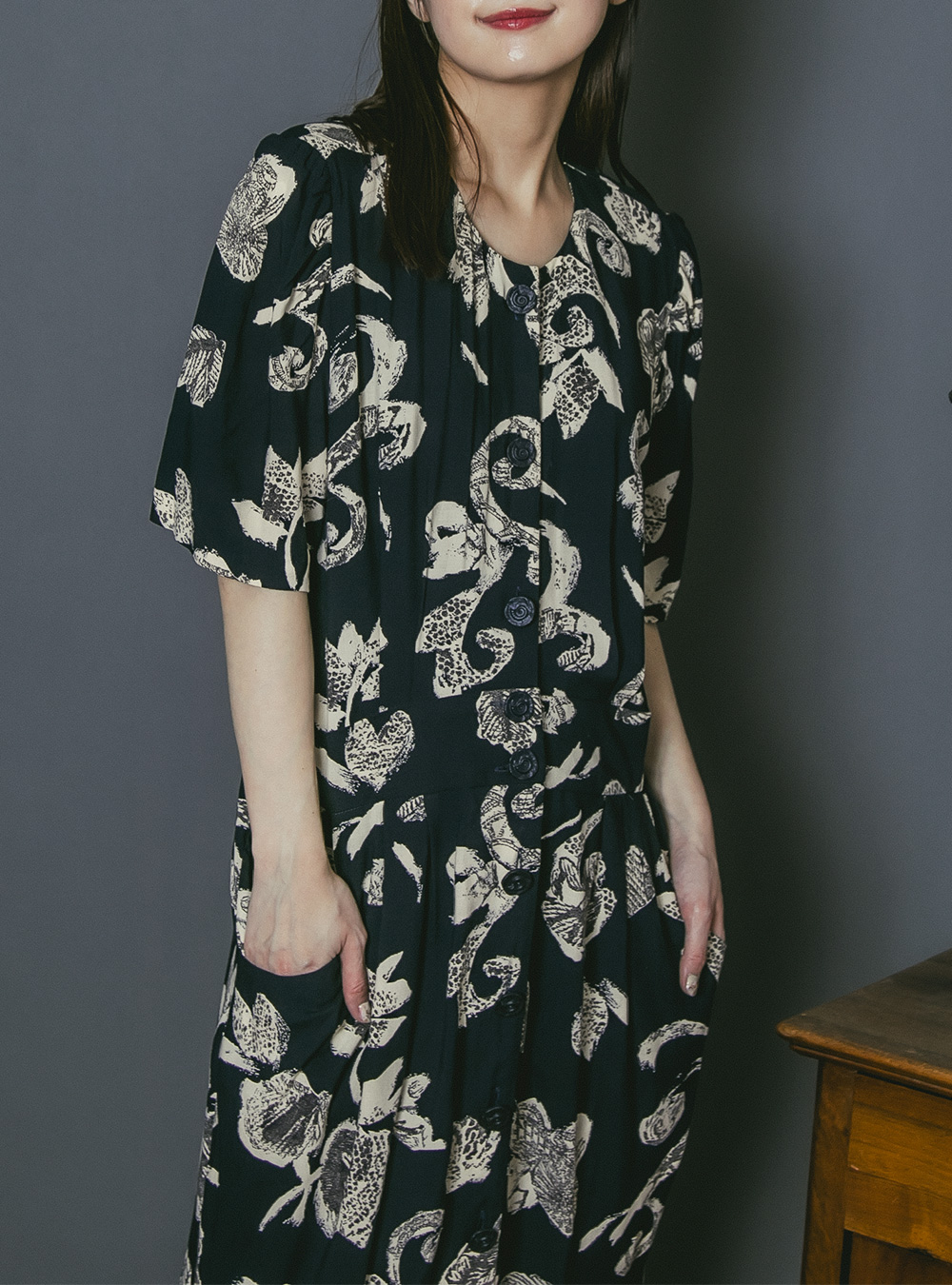 1970's Black × Ivory Design Print Dress