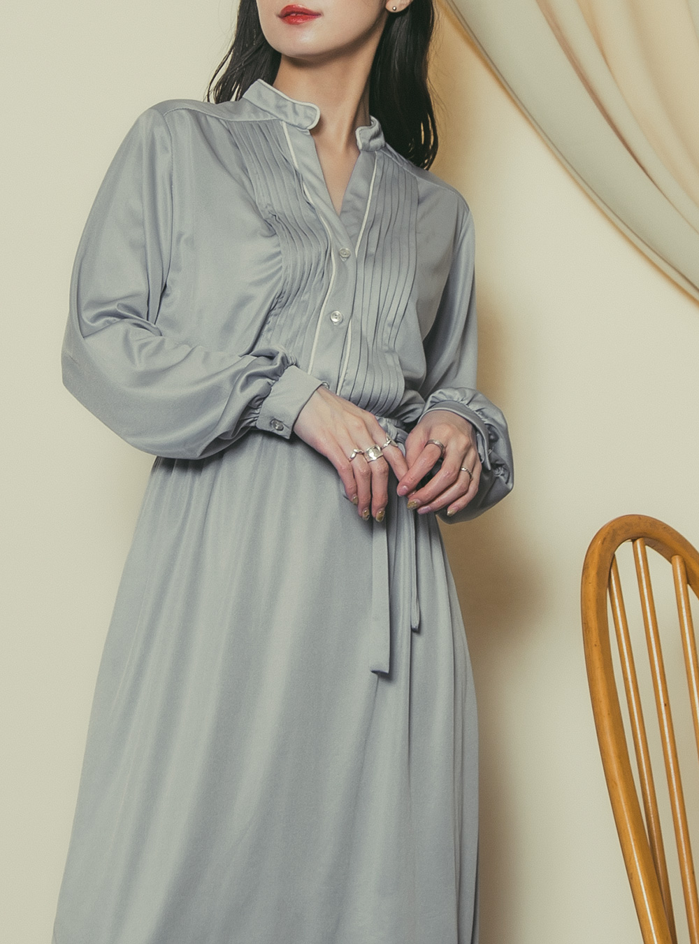 1970's Light Gray Tuck Design Dress