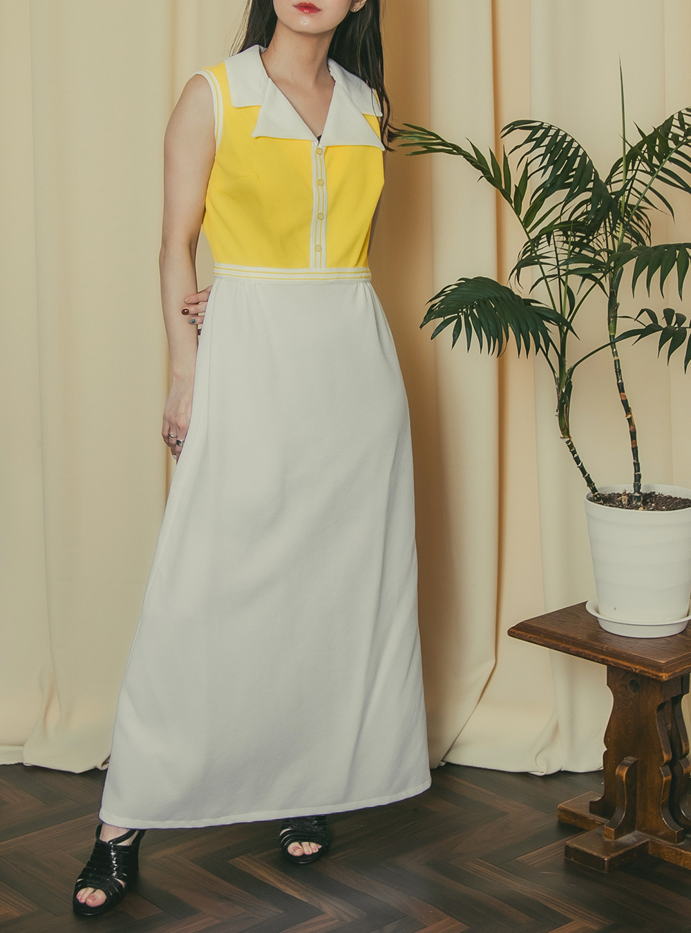 1970's Lemon Yellow × White Design Dress